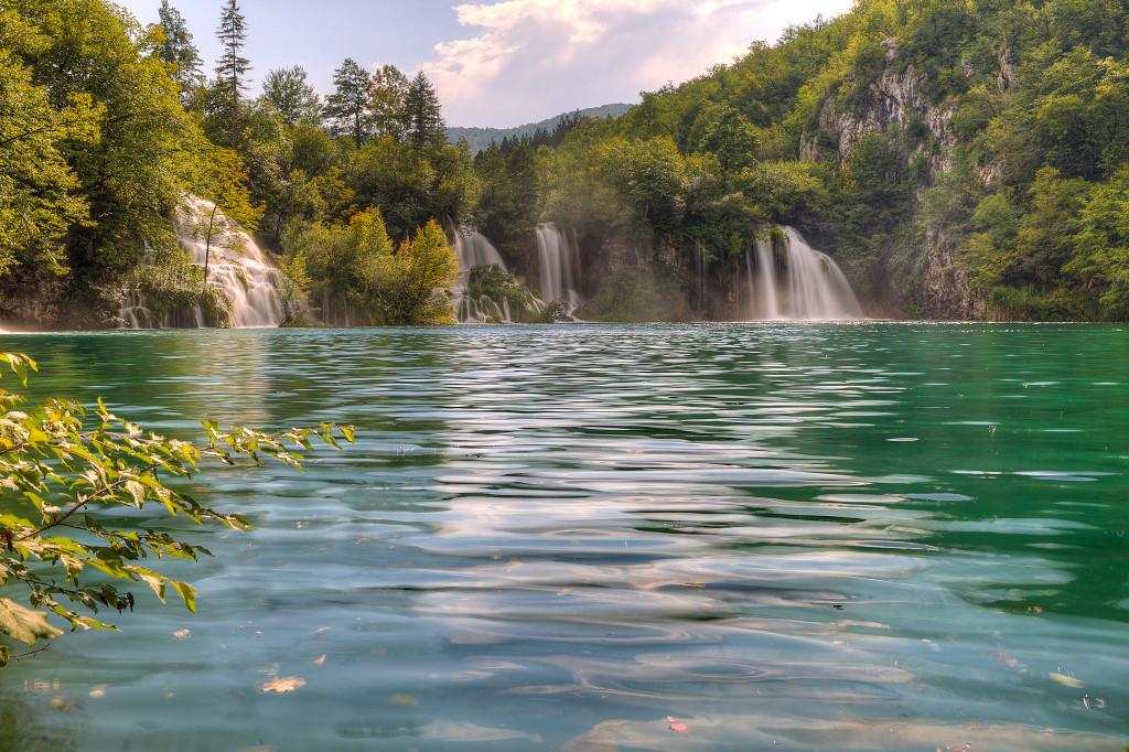 plitvice-lakes-park-waterfalls