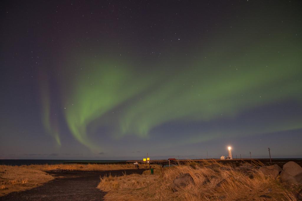 northern-lights-grotta-lighthouse-reykjavik